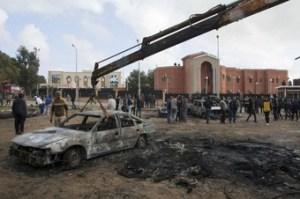 El gobierno impuesto por Occidente se esconde en un hotel a mil kilómetros de Tripoli